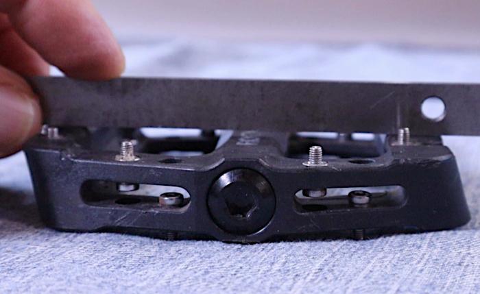 pedal concave